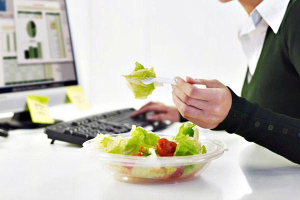Запропонувати спробувати продукцію – кращий спосіб прорекламувати її! Якщо обіди сподобаються, то перші клієнти з'являться дуже швидко.