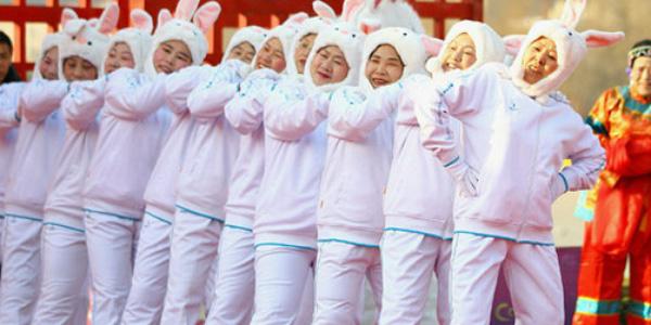 Не варто обмежуватися тільки костюмами Діда Мороза та Снігуроньки, проявіть фантазію!