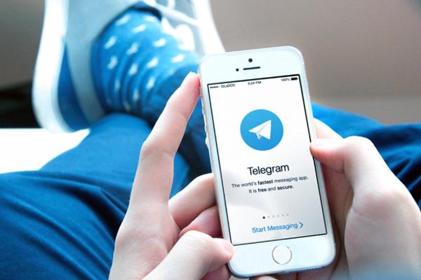 Папки, хмарне сховище, підтримка роботи з комп'ютерів - все це робить Telegram незамінним інструментом для роботи, навчання, тай просто спілкування